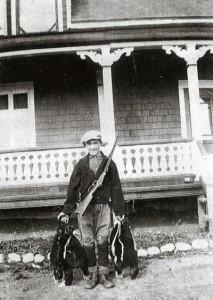 Ovila trahan chasseur de bêtes puantes en 1930
